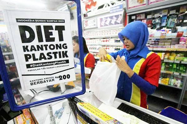 Larangan Kantong Plastik, Jangan Cederai Hak Konsumen