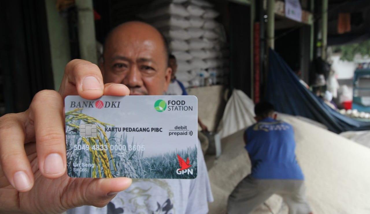 Pedagang Beras Cipinang Dapat Kartu Sakti Dari Bank DKI