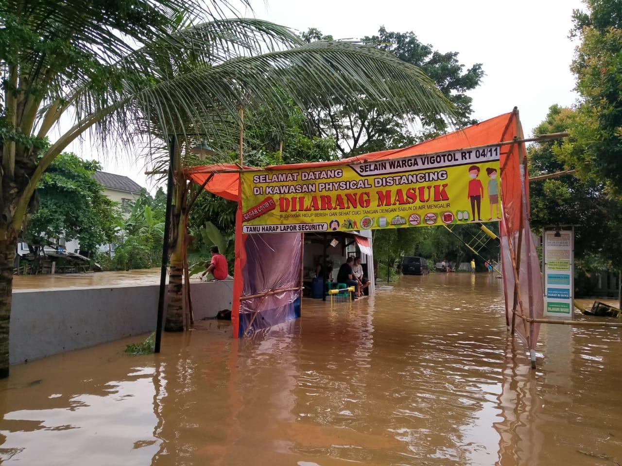 Tanggul di Pamulang Jebol, Luapan Kali Angke Banjiri Warga Ciputat dan Serpong