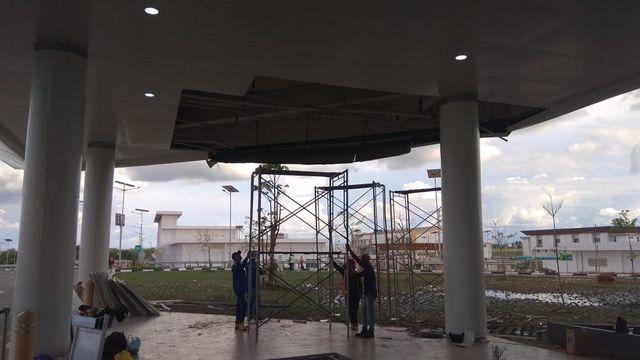11 Hari Diresmikan Jokowi, Bandara Syamsudin Noor Banjarmasin Ambruk Atapnya