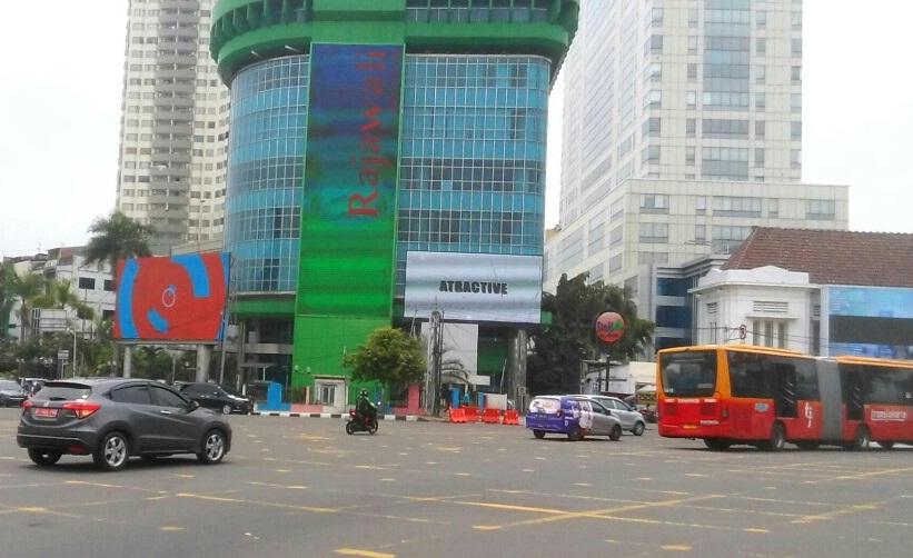 Seluruh Reklame Bermasalah di DKI Dibongkar Setelah Penertiban 60 Reklame Tuntas