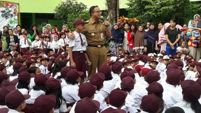 Besok, Jakarta Mulai Terapkan Tahun Ajaran Baru Dengan PJJ