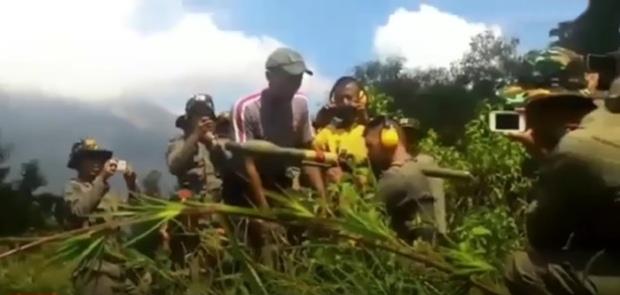 Mabes Polri: Video Viral Brimob Latihan Senjata RPG Film Lama